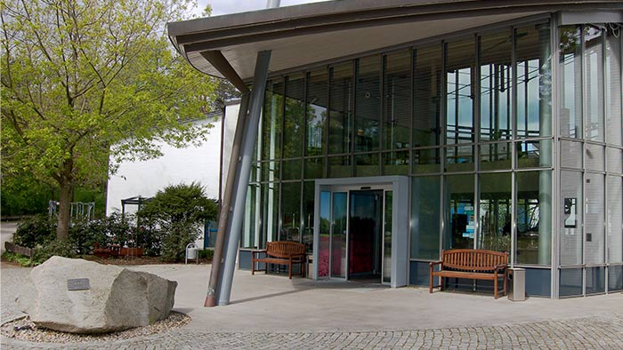Architekten-HDR__Hotelpark Soltau Vorplatz, Windfang